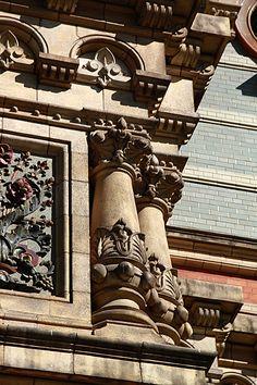 Palacio de las Aguas Corrientes, Barrio de Balvanera.-