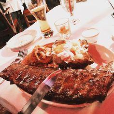 @followjax knows good food!  #clearmanssteaknstein #steaknstein #clearmansrestaurants #cheesebread #restaurant #lunch #dinner #eat #food #foodporn #foodgasm #instafood #yum #yumyum #yummy #delicious #sangabriel #losangeles #familyrestaurant #steak #stuffed #comfortfood #homecooking #classic #traditional #beer