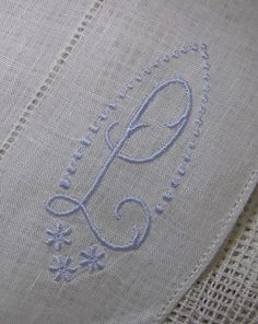 Something Blue-Vintage Pure Irish Linen por Nancysbooks en Etsy