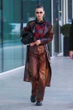 Style Bella Hadid, Bella Hadid Outfits, Bella Hadid Fall, Bella Gigi Hadid, Fashion 2020, Fashion Models, Milan Fashion Weeks, London Fashion, 90s Fashion