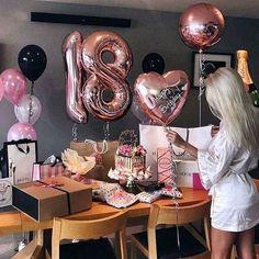 Ku každej správnej B-day párty nemôžu chýbať balóny rúžové zlaté al. Birthday Goals, Birthday Bash, Birthday Celebration, Birthday Parties, Birthday Surprise Ideas, 18 Birthday Gifts, Birthday Surprises, Happy Birthday, 18th Party Ideas