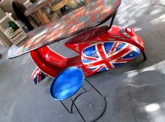 UNION JACK Vespa, Love scooters? Love Union Jack? Then you'll love this! One of the coolest scooter table we've ever seen, Speed your scooter to the table. A breakfast well deserved!- ALLDECOS