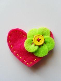 Love this cute felt broach!