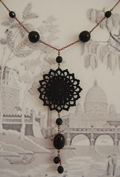 101. Collar - Sol Negro by Un Jardín De Hilo, via Flickr