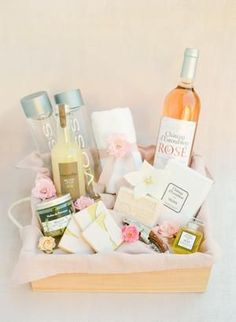 Vibrant Pinks in Provence - This Editorial Is Destination Wedding Heaven! Sweet Wedding Favors, Wedding Welcome Bags, Fox Wedding, Wedding Bag, Olives, Luxury Wedding, Elegant Wedding, Wedding Hotel Bags, Wedding Planner