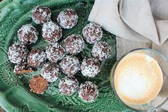 Dadelbollar med jordnötssmör | Fridas Food
