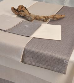 If the weather outside is #freezing, we need extra #warmth: a Carlo Lamperti #tablecloth in warm #tones is perfect #Triamo set