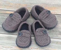 I'm not sure I've had 2 orders at the same time for the same style and colors. Size 4 and size 6 going to 2 separate customers but I couldn't pass up a chance to get them photographed together.   #crochet #handmade #handcrafted #etsy #baby #babyshoes #firstshoes #babyboy #babygirl #babygift #babyfeet #babylove #momlife #newborn #toddler #sahm #wahm #mompreneur #love #babyfeet #babyfashion #boymom #boyshoes