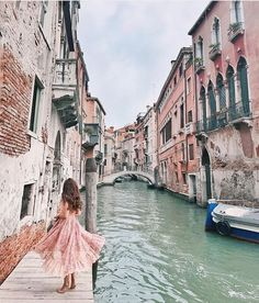 TRAVEL Saw the typical Venice? Let's dive into secret locations in Venice! Venice Travel, Italy Travel, Venice Photography, Travel Photography, Travel Pictures, Travel Photos, Venice Italy Hotels, Couple Travel, Family Travel