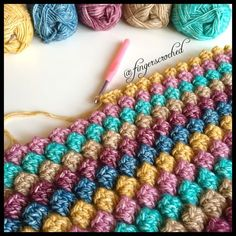 How to Crochet the Passion for Fashion Scarf - Crochet Videos Crochet Waffle Stitch, Crochet Shell Stitch, Crochet Motif, Crochet Stitches, Scarf Crochet, Finger Crochet, Quick Crochet, Double Crochet, Stitch Patterns