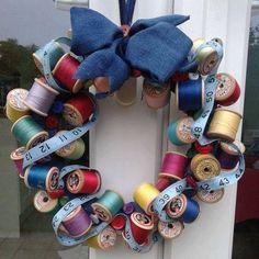 Sewing studio vintage thread spools New ideas Sewing Room Decor, My Sewing Room, Sewing Rooms, Sewing Crafts, Sewing Projects, Craft Projects, Sewing Tutorials, Craft Ideas, Fabric Crafts