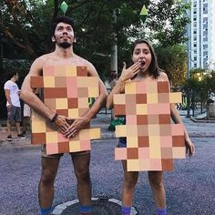 50 DIY Humorous and Eccentric Halloween Costumes - Hike n Dip. 50 DIY Humorous and Eccentric Halloween Costumes - Hike n Dip unique halloween costumes Diy Funny Halloween Costumes, Fete Halloween, Halloween Costume Contest, Halloween Outfits, Scary Couples Halloween Costumes, Halloween Man, Trendy Halloween, Unique Costumes, Funny Costumes