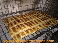braai pie gideon Braai Recipes, Pie Recipes, Recipies, Braai Pie, South African Recipes, Macaroons, Kos, Side Dishes, Bacon