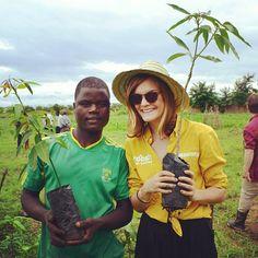 planting mangotrees in malawi, round 3.
