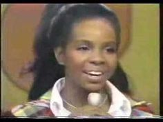Gladys Knight and the Pips -- I Heard It Through The Grapevine -- live on Soul Train 1972