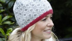 Knit Crochet, Crochet Hats, Fair Isle Knitting Patterns, Keep Warm, Beanie Hats, Mittens, Knitted Hats, Free Pattern, Winter Hats