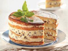 Koop sommer sponskoeke by die winkel om hierdie resep te maak. Baking Recipes, Cake Recipes, Dessert Recipes, Desserts, Custard Recipes, Nougat Cake, Kos, Cakes And More, Let Them Eat Cake
