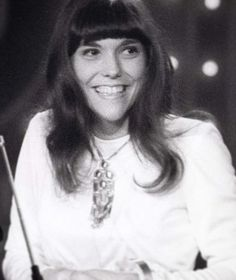 Songstress Karen Carpenter, upon winning a Grammy in 1971. A real sweetheart.