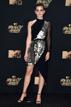 See the best celebrity fashion from the 2017 MTV Movie & TV Awards red carpet, including looks from Emma Watson, Taraji P. Style Emma Watson, Emma Watson Estilo, Emma Watson Dress, Mtv, Celebrity Dresses, Celebrity Style, Celebrity News, Emma Watson Red Carpet, Millie Bobby Brown