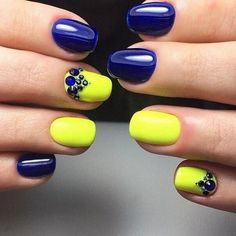 blue and yellow nail design with rhinestones #blue #nail #art