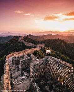#ShangrilaDestinations Ignite your sense of wonder with a trip to the Great Wall of China – just a short trip from Beijing. 📷: @jordhammond   #Shangrilahotels #Shangrila #beijing #greatwallofchina #china #sevenwonders #explore #view #travel #vacation #wanderlust #adventure #travelgram #instatravel #travelphotograph