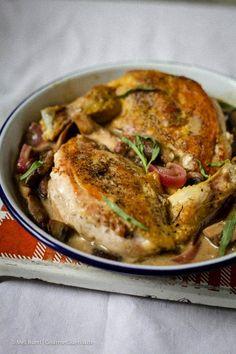 Dieses köstliche Rezept für Dijon-Hühnchen hat eine tolle französischen Note und lässt sich super simpel ohne große Kochkenntnisse zubereiten.