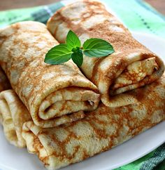 Pancakes filled with sweet cheese (Romanian recipe) Dessert Drinks, Dessert Recipes, Vegan Recipes, Cooking Recipes, Romanian Food, Food For Thought, Bakery, Sweet Treats, Food And Drink
