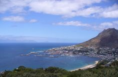 """""""Surrounded by mountains, Cape Town is a very nice city with many small roads and beautiful landscapes."""""""