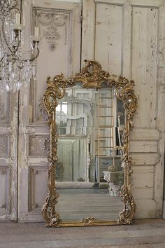 SALE Century Giltwood French Mirror from Full Bloom Cottage Casas Shabby Chic, Shabby Chic Interiors, Shabby Chic Decor, French Decor, French Country Decorating, French Interior, Scandinavian Interior, Spiegel Design, French Mirror