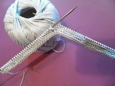 ARTES-ANAS: SANDALIA-ZAPATO DE VERANO BEBÉ A DOS AGUJAS Knitted Baby Boots, Baby Booties Knitting Pattern, Knitted Booties, Knitting Patterns, Crochet Patterns, Free Knitting, Baby Knitting, Crochet Baby, Knit Crochet