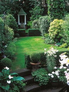 best Small yard landscaping images -Garden Landscaping Ideas- #gardenlandscaping #smallgardenshrubs #gardening #LandscapingIdeas