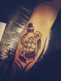 Botella Tatuaje 50 amazing ship tattoos you won't believe are real | botella