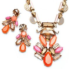 Give any outfit an instant update with pops of pink, shades of orange! Pop Geo Pendant & Earrings by Stella & Dot