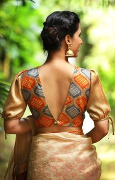 Buy readymade blouse online shopping india has got variety of blouse designs, designer blouses, ready to wear saree blouses. Traditional Blouse Designs, Saree Blouse Neck Designs, Stylish Blouse Design, Fancy Blouse Designs, Saree Jacket Designs Latest, Indian Blouse Designs, Saree Blouse Patterns, Dress Designs, Sari Design