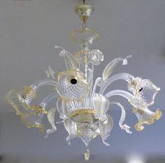 """LUSTRE en verre de Murano blanc et or, modèle """"Guglie"""", à six bras"""