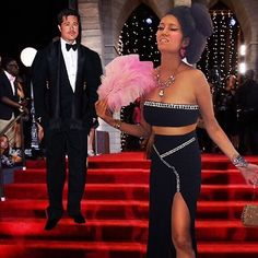 """Brad Pitt Wants Me"" Red Carpet Skirt 💬""Ok so he's looking over my head at what's her name.....the girlfriend or wife, you know, that Actress, Jenniferrrr....something. But that's not the point. The point is I crashed the red carpet because of this skirt"".💬 Skirts"