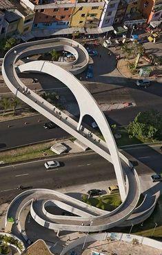 Rio de Janeiro (RJ) – Passarela de Niemeyer na Rocinha Foto: Ris. Oscar Niemeyer, Classification Des Arts, Amazing Architecture, Landscape Architecture, Bridges Architecture, Urban Landscape, Landscape Design, Ing Civil, Parks