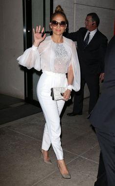 Jennifer Lopez Leather Clutch - Jennifer Lopez Looks - StyleBistro