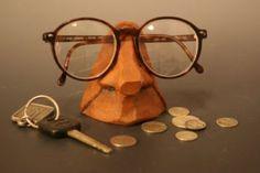 Handmade Ceramic Nose Eyeglass Holder Eyeglass Holder, Handmade Ceramic, Pottery Ideas, Online Gifts, Home Decor Items, Gifts For Dad, Eyeglasses, Round Glass, Ceramics