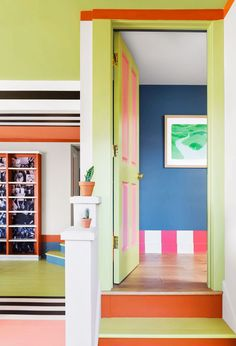San Francisco Apartment, Interior Design Themes, Multimedia Artist, Striped Walls, Memphis Design, Online Shops, French Artists, New Artists, Elle Decor