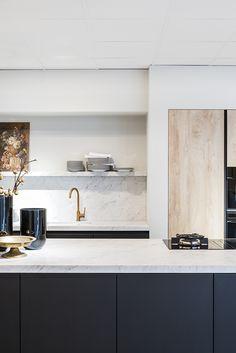 DSM Schoten x DSM more – rustic home interior Layout Design, Küchen Design, Home Design, Kitchen Furniture, Kitchen Interior, Kitchen Decor, Interior Livingroom, Kitchen Tools, Cheap Office Decor