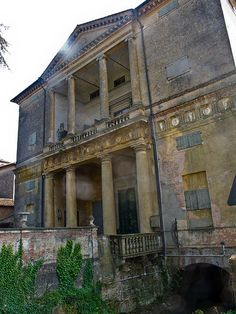 Villa, Montagnana - Palladio A great example of the master's style.