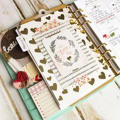 Pretty planner. Christy Tomlinson @theplannersociety #planner #hearts