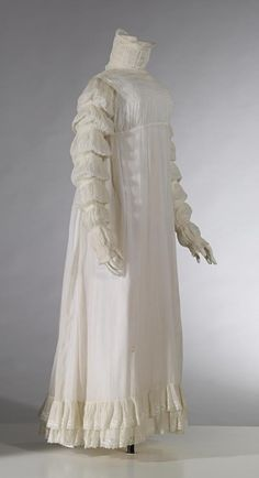 Dress (c. (ENGLAND) Medium cotton (muslin, cord, thread), shell (buttons), metal (hooks and eyes) Place/s of Execution (England) Accession Number 1800s Fashion, 19th Century Fashion, Vintage Fashion, Women's Fashion, Jane Austen, Regency Dress, Regency Era, Historical Clothing, Historical Art