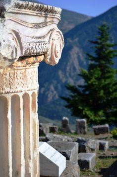 Delphi - prefecture of Fokida Hellas Art & Architecture Places To Travel, Places To See, Beautiful World, Beautiful Places, Greece Wallpaper, Delphi Greece, Myconos, Site Archéologique, Art Sculpture