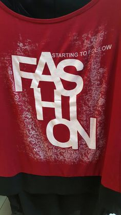 Fashion t shirt in vari colori