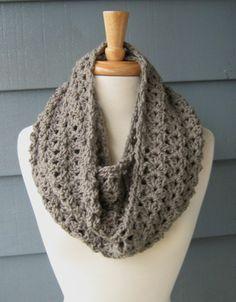 Crochet Infinity Scarf Pattern Beginner | crochet beginner projects | CROCHET PATTERN / DIY Project / ... | Cro ...