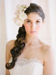 floral+hair+accessories+for+brides+-+bridal+hairstyle+with+flower