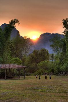 Ban Tiou - Laos (by ¡kuba! Vietnam, Village Photography, Nature Photography, Beautiful Nature Wallpaper, Beautiful Landscapes, Nature Images, Nature Pictures, Laos, Village Photos
