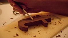 Las hermosas y comestibles letras de chocolate Chocography